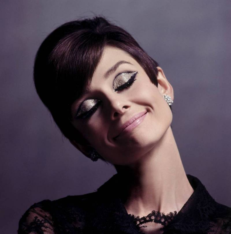 audrey_hepburn_with_eye_makeup-5177