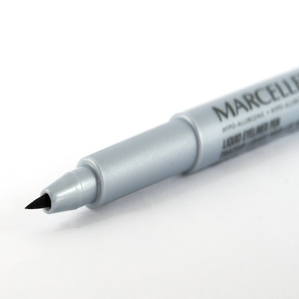 liquid pen eyeliner