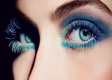 coloured mascara blue