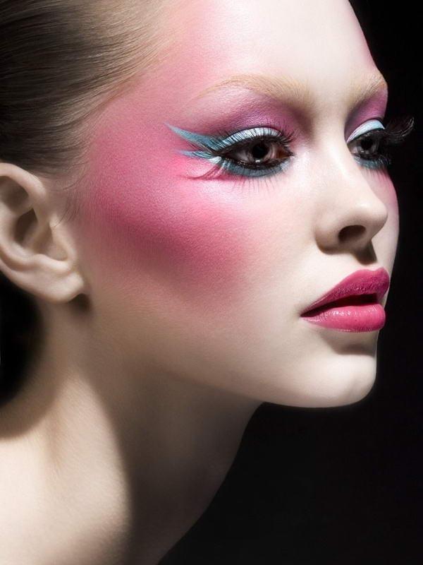 Dare To Wear Neon Makeup