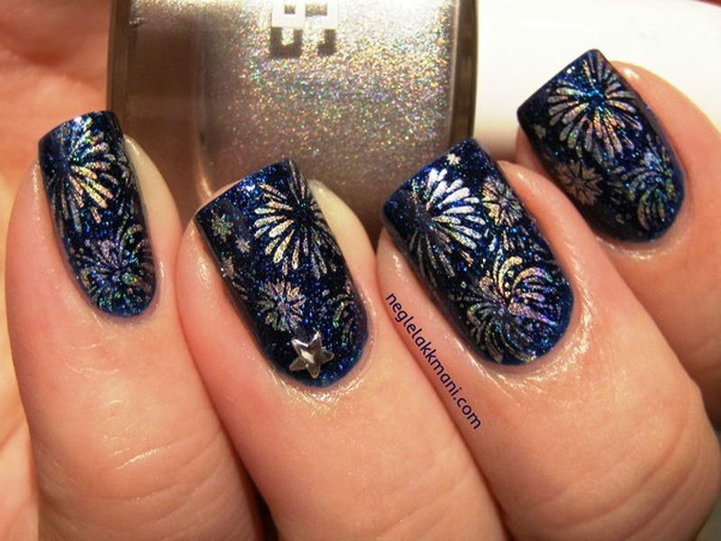 Who Wants To Try These New Year Nail Arts?