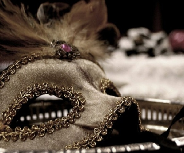 You can make your own diy masquerade mask from home via indulgy solutioingenieria Images