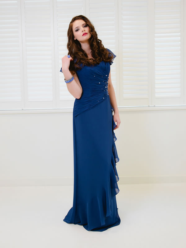 Stylish board dresses for christmas party can be elegant but simple