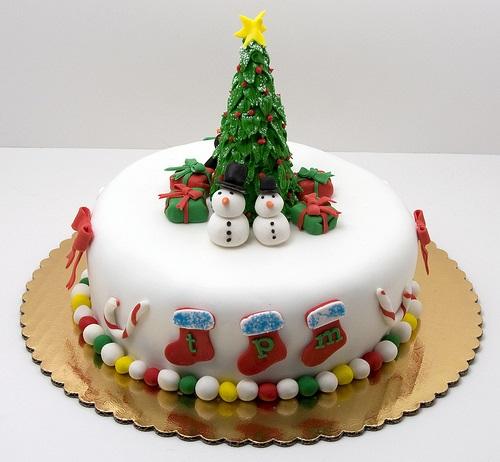 Making Marzipan Christmas Cake Decorations