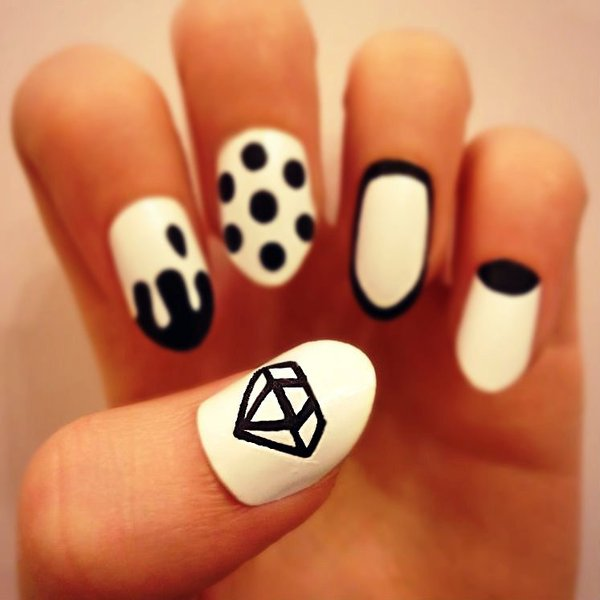 Diamonds Nail Art Design Ideas: Who Wants To Get These Gorgeous Diamond Nail Arts?
