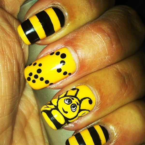 bee nail art - Who Will Try These Adorable Bee Nail Arts?