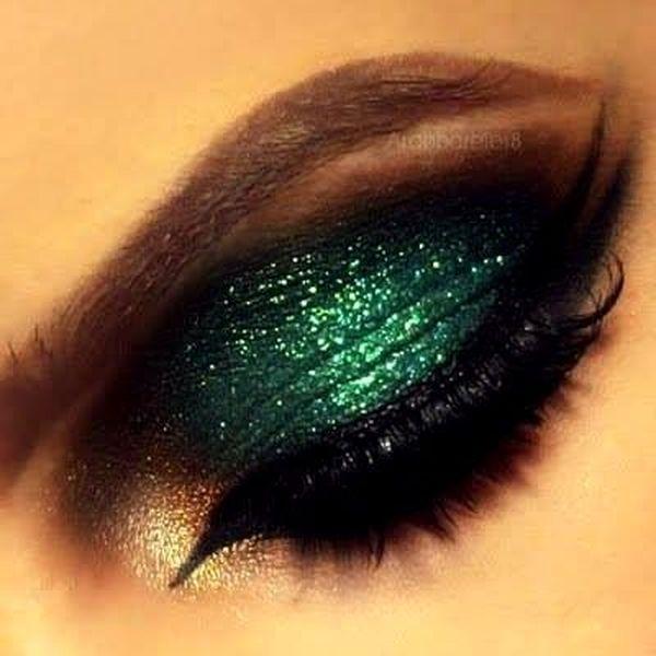 Green Eye Makeup For Gorgeous Ladies