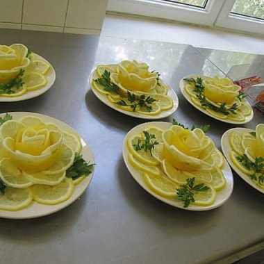 Украшение из лимона для салатов фото