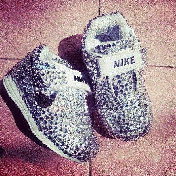 10 Nike Baby Shoes To Buy For Your Princess!