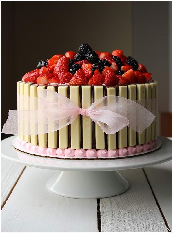 5 White Kit Kat Cake Ideas That Are Deliciously Beautiful
