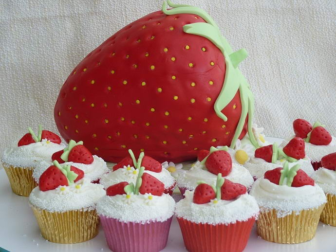 birthday cake strawberry