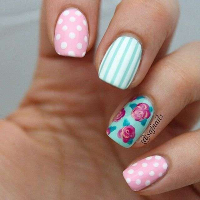 Vintage floral nail arts