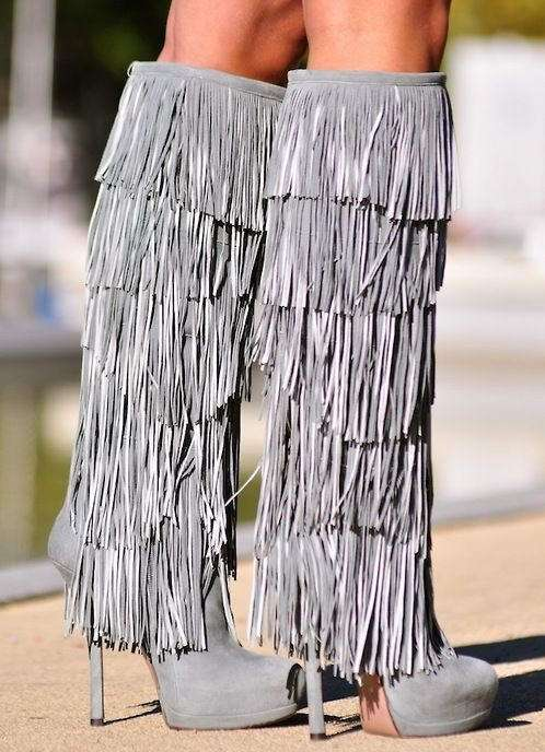 10 Gorgeous Fringe Boots To Add In Your Collection!