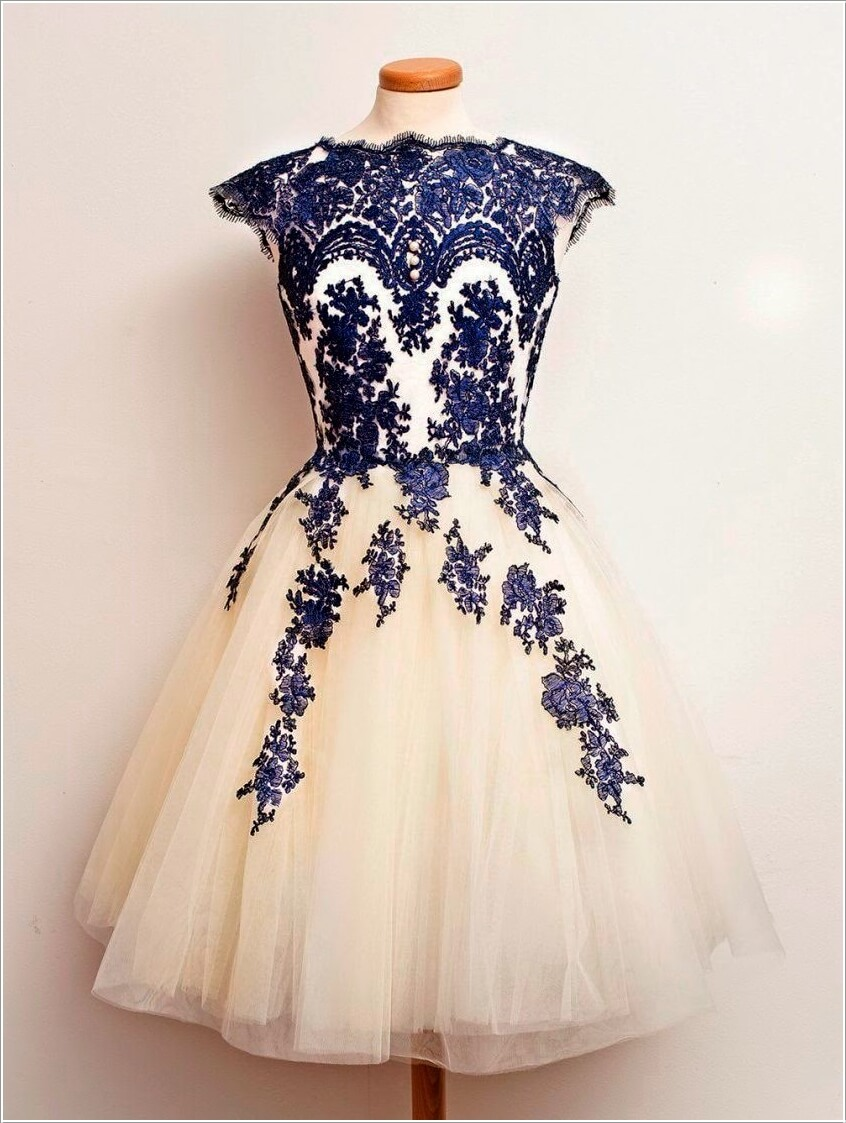 10 Super Stylish White and Blue Dresses 4