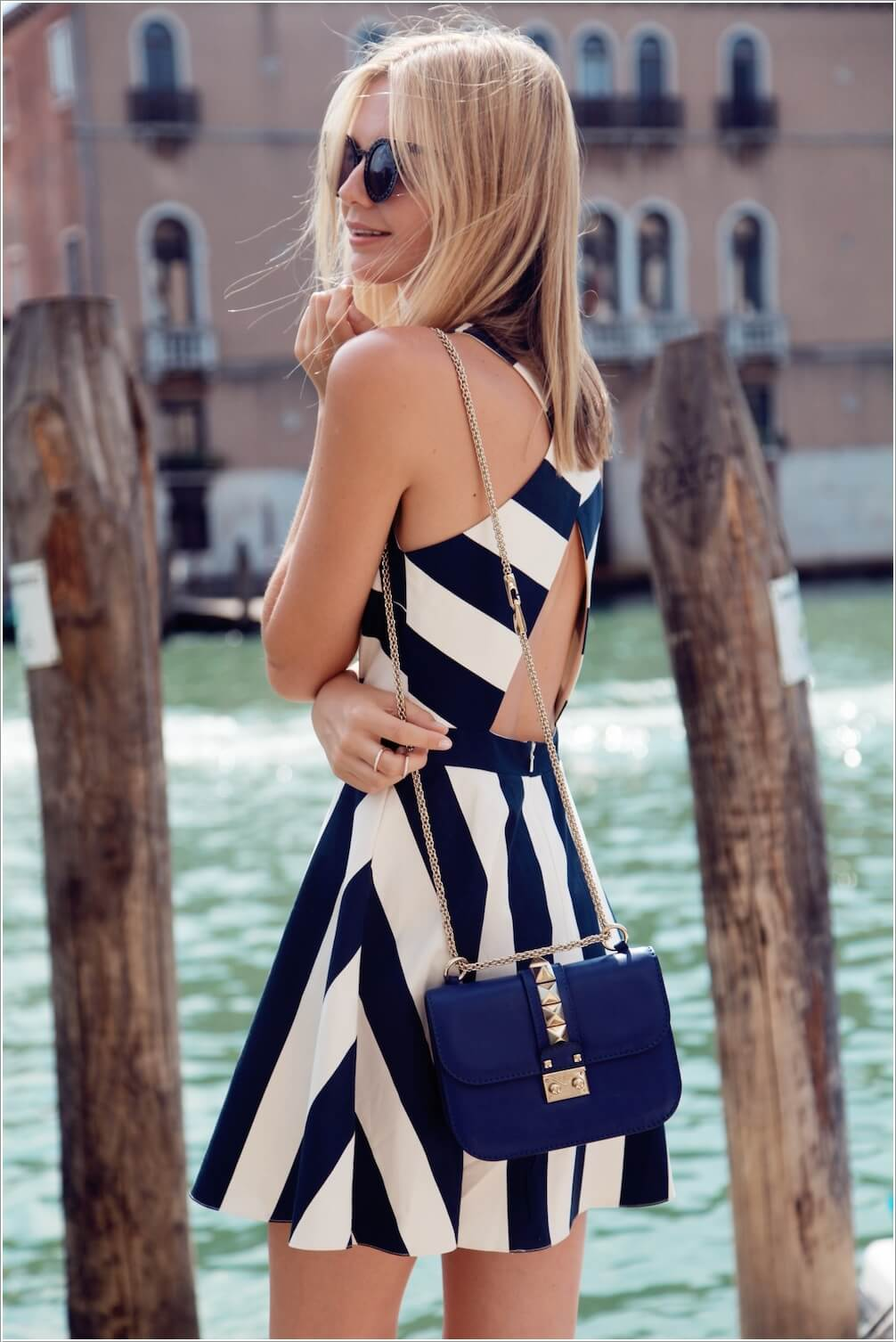 10 Super Stylish White and Blue Dresses 5